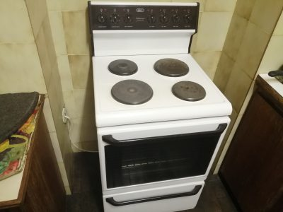 Defy 4 plate stove with oven for sale